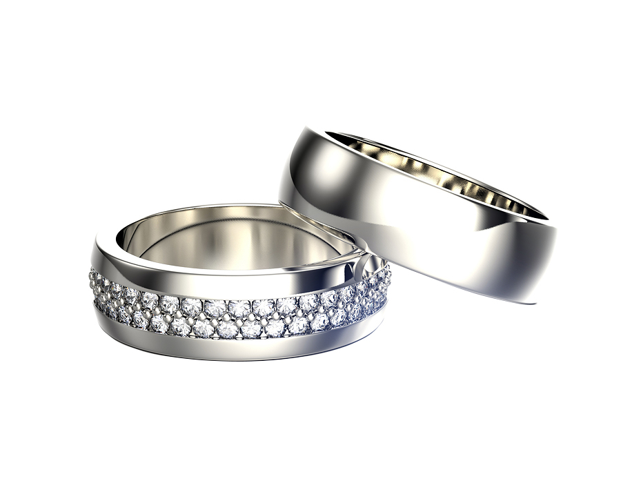 Engagement-Ring-with-Diamond